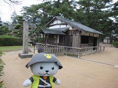 世界遺産の松下村塾。 小さな建物です。  で、こちらは後回しで