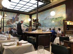 ブリュッセルで気に入っている店 Vincent グランプラスのそばの大衆的な店  ランチと炭酸水で40ユーロ