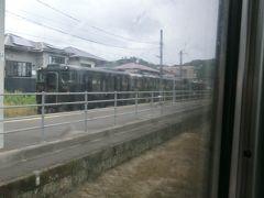 加治木に停車。 肥薩線の特急8022D はやとの風2号.吉松行と列車交換。