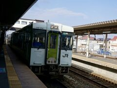 石巻駅発9:33の石巻線で女川へ。  今日もこの緑の車両。 東北っぽくて良い(*´Д`)