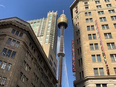ビルの合間にシドニータワーアイが見えますー。