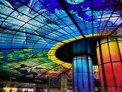 空港から移動して美麗島駅に。 やっぱりこのステンドグラスは圧巻ですね!