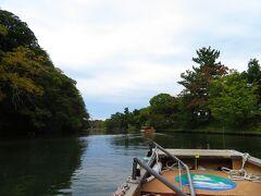 ぐるっと松江 堀川巡り に 乗った。 これで、3回目(笑) なので、橋くぐりの要領はわかっている。