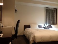 この日のお宿「グリーンリッチホテル大阪空港前」へ 空港から送迎ありなんで便利だよん(^_^) まだ新しい感じで、部屋の広さも申し分なし(^_^)v