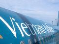 成田空港第1ターミナル。午前10時発ダナン行き VN319。 ベトナム航空はだいぶ前にラオス・ルアンパバーンに行ったとき以来です。 ダナン、ホイアンへはハノイやホーチミン経由の便もありますが、乗り換えがなく楽なダナン直行便で向かいます。ただしダナン直行便は機材がちょっと古いのですが。