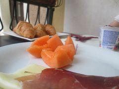 最後の朝食 メローネとプロシュートたっぷり