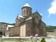 サムタヴロ教会・修道院 /Samtavro Church and Monastery  ジョージア旅のまとめ(1.ウシュグリ/Ushguli 2018/5/19~5/20) https://kunkunkun.work/georgia_summary_1/  ジョージア旅のまとめ(2.メスティア,ズグディディ/Mestia,Zugdidi 2018/5/20~5/21)  https://kunkunkun.work/georgia_summary_2/  ジョージア旅のまとめ(3.ステッパンツミンダ(カズベキ)/Stepantsminda(Kazbek)) 2018/5/22~5/23)  https://kunkunkun.work/georgia_summary_3/  ジョージア旅のまとめ(4.ムツヘタ/Mtskheta 2018/5/24)  https://kunkunkun.work/georgia_summary_4/  ジョージア旅のまとめ(5.トビリシ/Tbilisi 2018/5/23~26)  https://kunkunkun.work/georgia_summary_5/