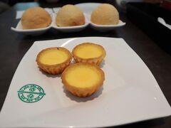 お目当は112の中にあるティンホーワン☆ 入り口入ってすぐのところにありました!  香港で食べたチャーシューメロンパンが忘れられなくて(*゚∀゚*)