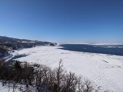 プユニ岬から流氷。  流氷の勢いは強めではありませんでしたが満足。  知床連山は雲が掛かっているので折り返します。