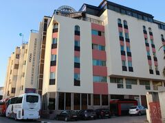 フェズでは高級な宿に。 貰った資料ではホテル エル ミンズ ザラ― フェズになっています。