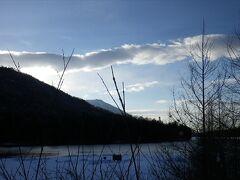 湯ノ湖も静かです。