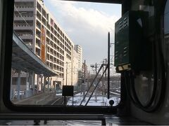 福島を出るとすぐに次の駅、曾根田。  地元密着のローカル民鉄らしく駅間が短い。