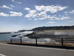 こちらが現在の久之浜 のどかなこの街が一面津波に呑まれたなんて、とても想像できない!  久之浜を後に車を北へ走らせます