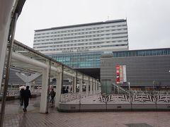 せっかく北九州まで来たので、小倉にも寄り道。今や九州中に展開するJRの駅ビルブランド「AMUプラザ」の第一号が、ここ小倉駅です。