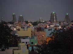 テンプルビューレストランでアンマン寺院のライトを見ながら夕食