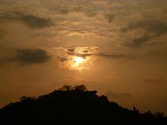 夕日の亀山公園