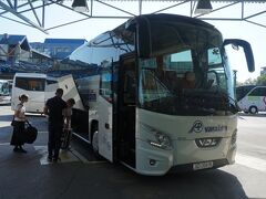 7月11日、ザグレブのバスステーションを午前9時30分発のバスでヴァラジュディンに向かう。