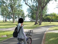 なんとか自転車用レーンのあるカイルアビーチパークに到着。