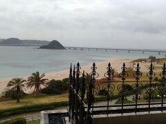 前日はあんなに穏やかな天気だったのに、この日は朝から大荒れ・・・ 天気予報は当たりますね~ 本当は青海島とか千畳敷に行こうと言っていたんですが、さすがに雨ではねえ。