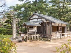 神社の敷地内にはあの松下村塾が! 日本史で習いましたよ~ 想像していたよりずっと小さくて驚きました。