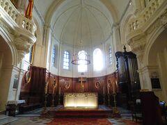 法王庁となりの Notre Dame des Doms d'Avignon