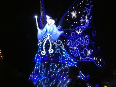 東京ディズニーランド・エレクトリカルパレード・ドリームライツ。 ピノキオに登場する妖精のブルー・フェアリー。