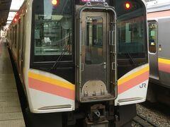 こちらの列車で新津に向かいました。  新潟もほとんど、この車両になりましたね。