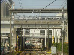 新瀬戸駅。 あとで乗る、愛知環状鉄道線が上を通っている。
