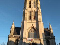 そして聖バーフ大聖堂です!! 「神秘の仔羊」を見たかったですが、時間的にもう入場不可でした。