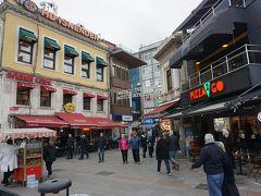 ●カドキョイ  イスタンブール屈指のグルメストリートと言われているカドキョイ界隈。 お店が沢山あります。