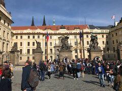 プラハ城入口