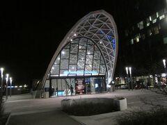 ワルシャワバスターミナル近くの西駅 地下道で繋がってる