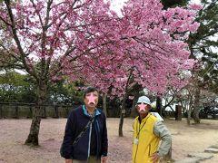 ボランティアのガイドさんがおられたのでお願いしました。  松山城は無料で案内して下さいます。