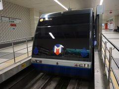 ●フュニキュレル カバタシュ駅  そのケーブルカーを正面から!