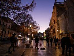 すっかり暗くなったヌエバ広場。