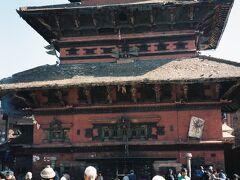 その一角にはシヴァの化身の一つバイラワを祀るBhairavnath寺院