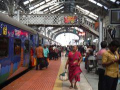 マドライからチェンナイに戻る列車は少なく、早いですが7時発に乗りました。