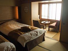 今夜の宿はホテル鏡山苑。これも立派なホテルである。