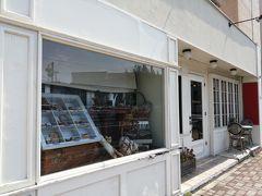 早速、ご利益が!? 「水戸八幡宮」の近所でパン屋さんを発見!