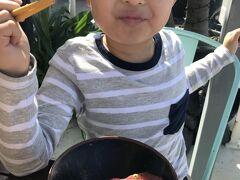 男たちは親父のマグロでマグロ丼!! 写真撮らなくちゃと思ったら、 すでに半分以上食べてた!Σ(゚Д゚)