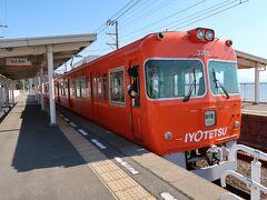 さて伊予鉄道に乗って梅津寺駅、というところで降ります。狙いは何かといえば秋山好古陸軍大将の銅像!なにしろ、テレビドラマ化などされるずっと前、どころか文庫本が最初に出たときに読んで以来のファンですから!