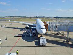 毎度お馴染み、旅の始まりは成田空港でございます。 最近は格安ビジネスクラスのチケットでお世話になっているマレーシア航空の利用が圧倒的に多いですね!