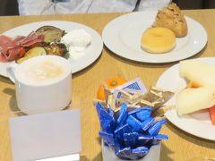 最後の朝食。 フルーツをたっぷりいただきました。