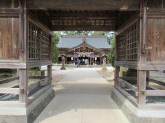 チェックアウトし、向かったのは、縁結びで名高い、八重垣神社です。