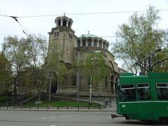 再び中心部に戻って、聖ネデリャ教会