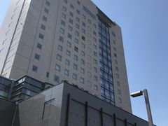 空港直結の大館能代空港インターより秋田道(無料区間)、小坂JCTから東北道を走らせ、約1時間30分で青森道青森中央ICへ その後、宿泊先のホテル青森へ 青森の迎賓館とも言われるホテル