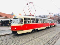 地下鉄に乗ってMalostranska駅までやってきました^^ トラムに乗り換え観光の1日がスタートです★