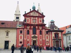 次は聖イジー教会を見学です^^
