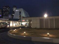 当日: あっという間に出発日。 そりゃそうだ。予約したの一週間前だもの。 リムジンバスで羽田空港に向かいます。  <移動> バスタ新宿→羽田空港国際線ターミナル  バスタ新宿使うの初めてー。