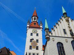 ■□■□8/10(金)5日目 □■□■ミュンヘン ■□■□街歩き  旧市庁舎…ってカンジ。 塔がかわいいよね。